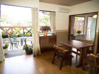 5名用室内。LDK14畳、和室5.5畳、ツインベッドと広々。