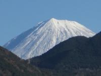 富士山てっぺんビュー お店の駐車場スロープ上部より