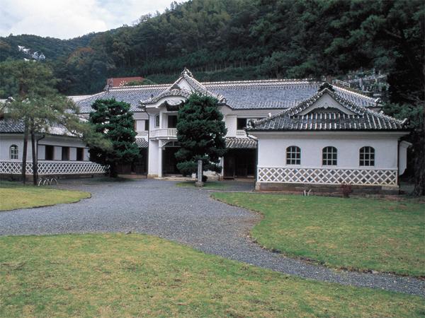 重文岩科学校1