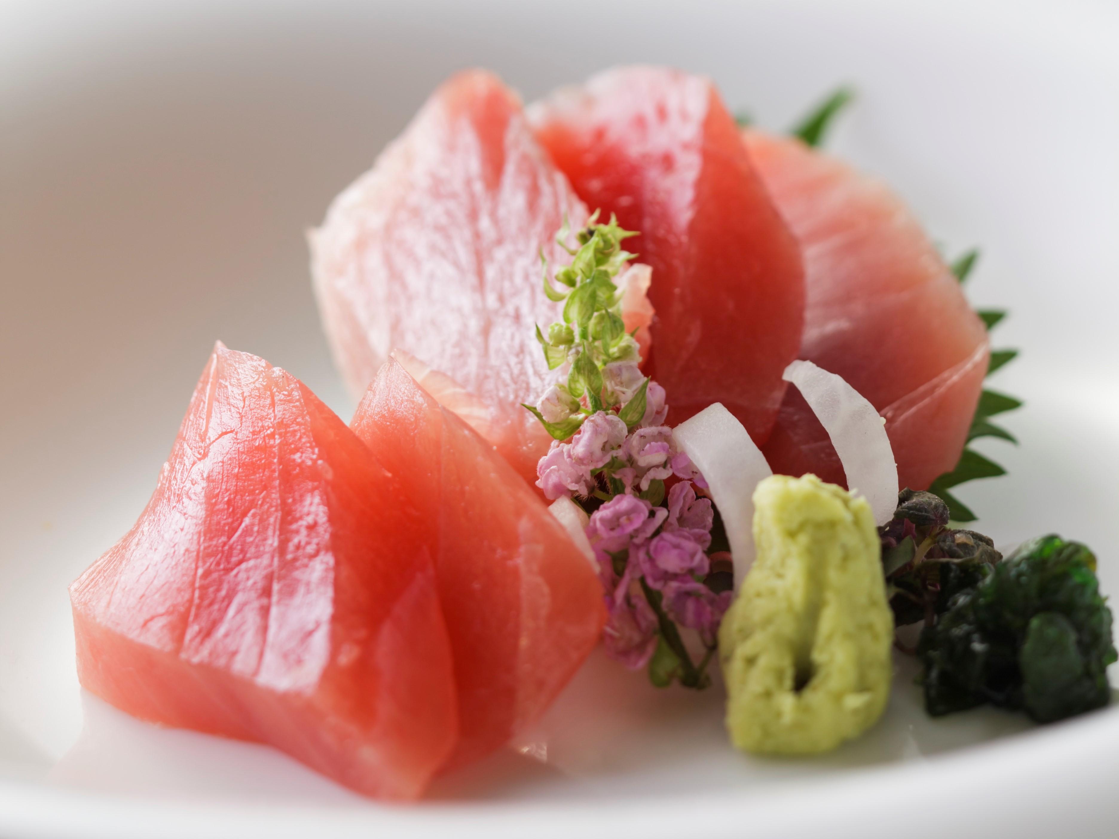 料理イメージ・お写真は、マグロ5種を食べ比べ!「マグロ膳」