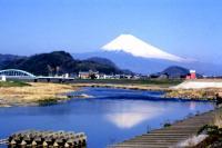 狩野川に写る逆さ富士