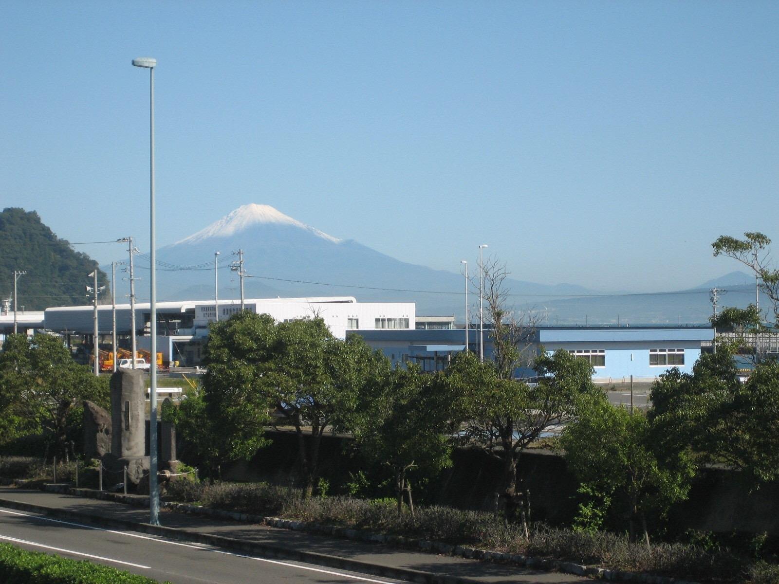 店内から、富士山、焼津港が一望できます。