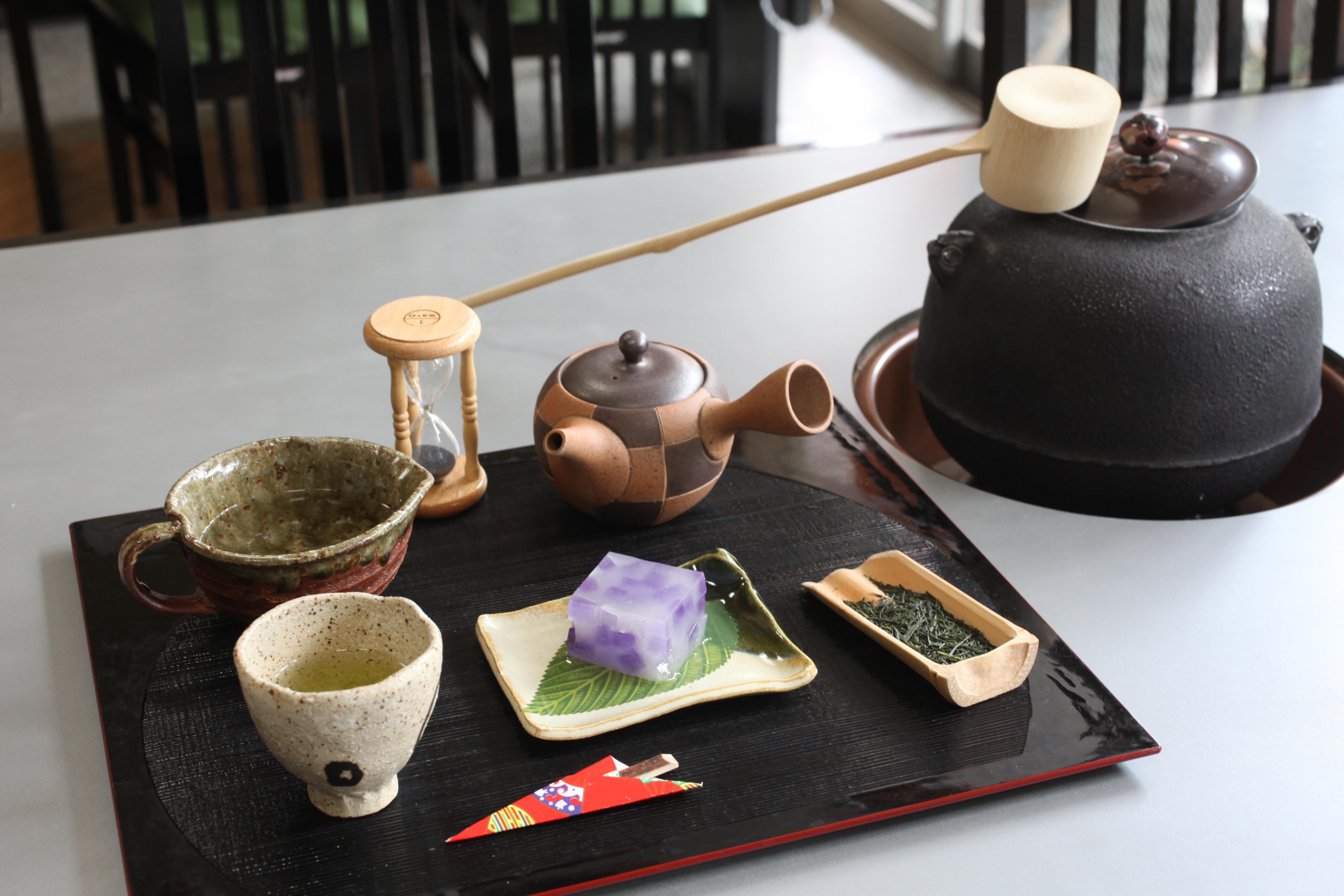 喫茶席では茶釜を使って川根茶をお楽しみ頂けます。