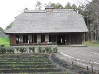 広見公園のふるさと村歴史ゾーンに移築復原された市内最古の民家である稲垣家住宅