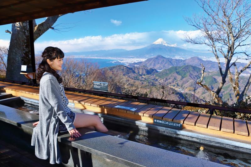 絶景富士見の足湯