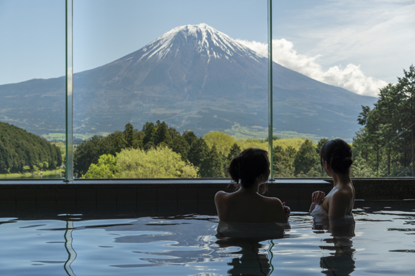 富士山が目の前に広がる富士田貫湖温泉「富士山恵みの湯」