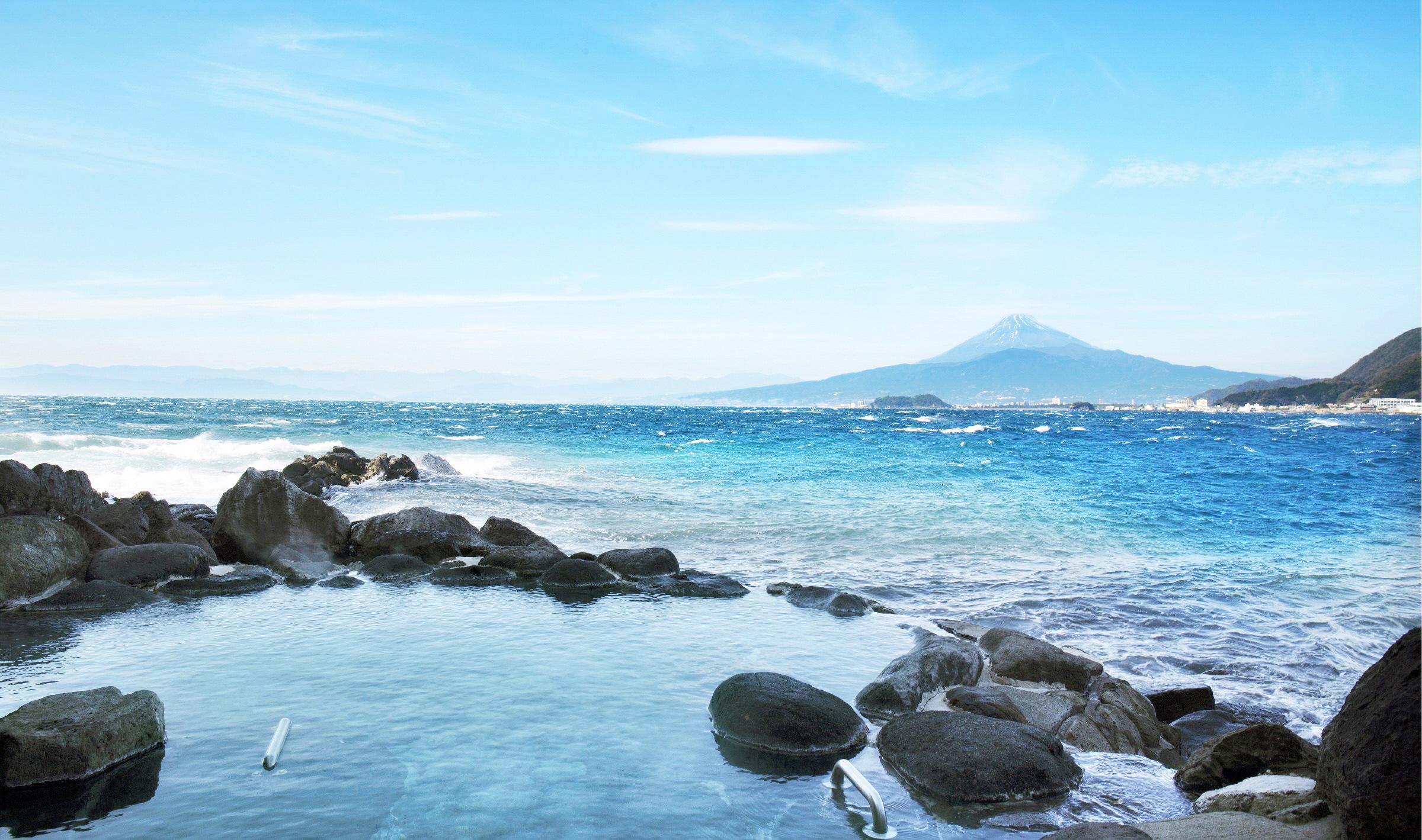 新鮮な海・山のものをふんだんに使った目にも美しいお料理の数々をお楽しみ下さい。