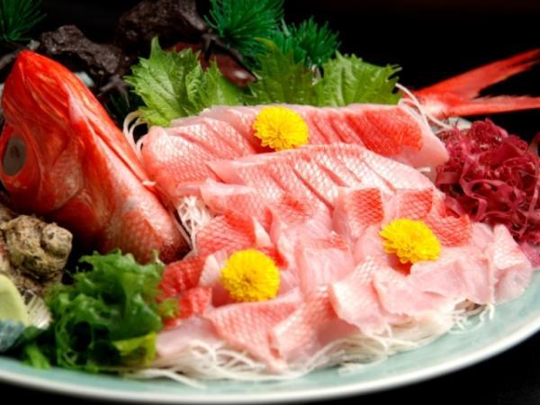 コラーゲンたっぷりの美味しい金目鯛のお造り