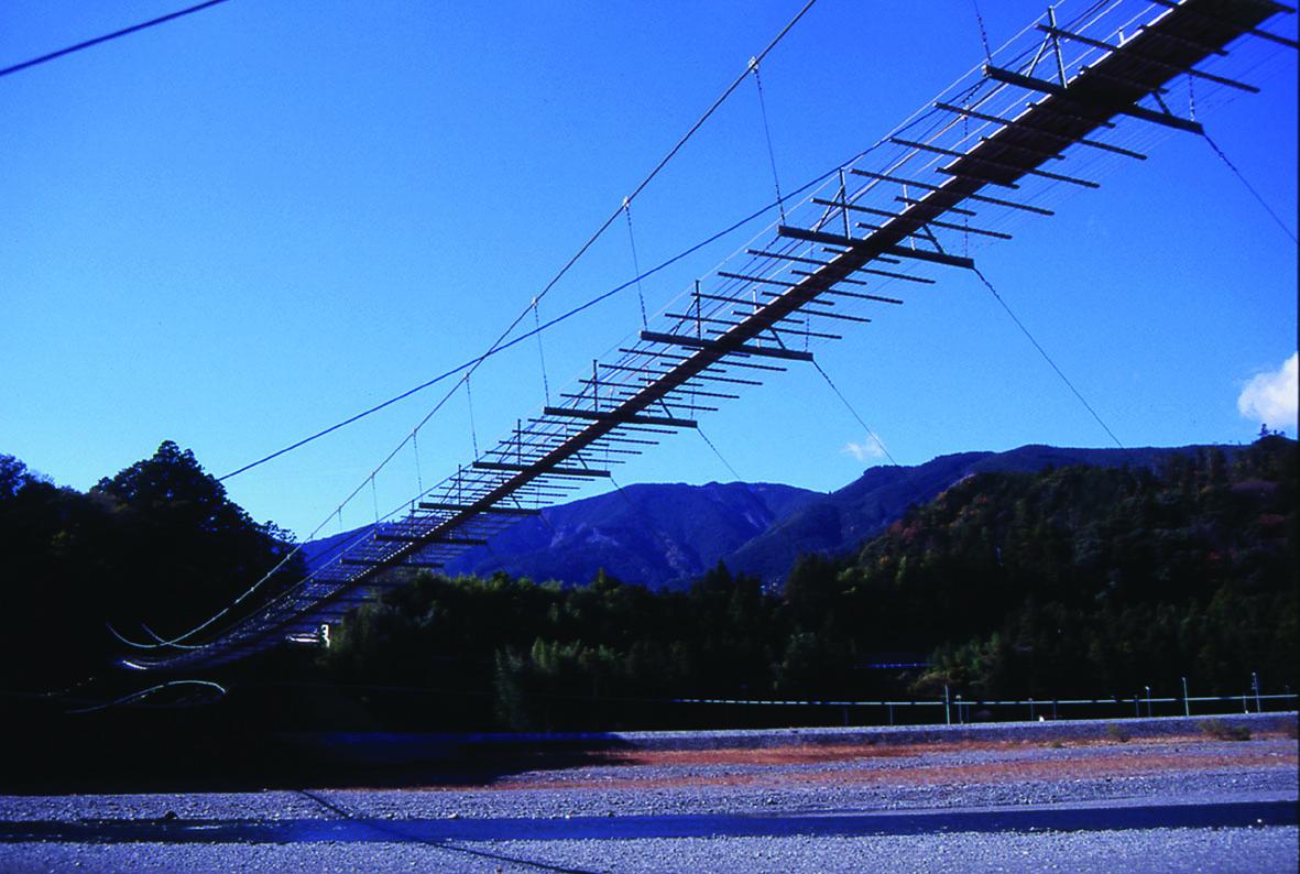 塩郷の吊橋の全景